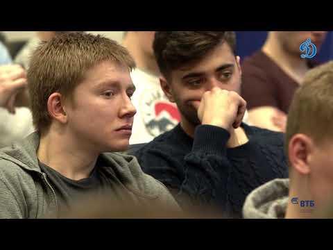 Встреча Станислава Петухова с игроками