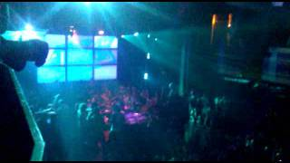 A-Trak- Yeah Yeah Yeahs - Heads Will Roll (Live 11/13/2012)