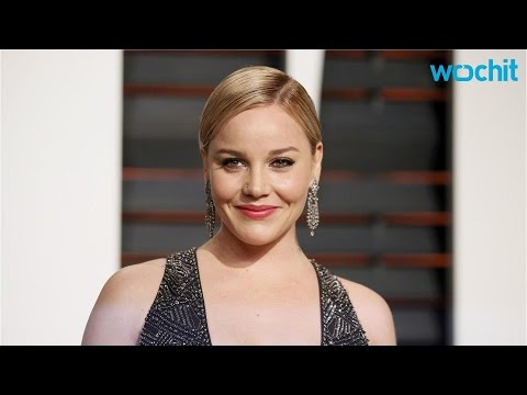 Abbie Cornish s Off Her Bra and Spanx in a Mirror Selfie
