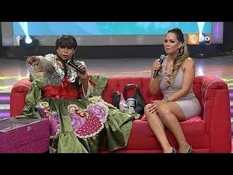 Melissa Klug con la Chola Chabuca