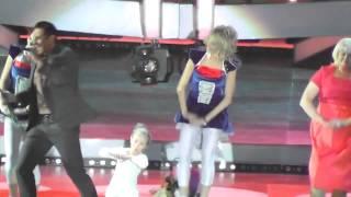 Стас Костюшкин и маленькая девочка: женщина я не танцую
