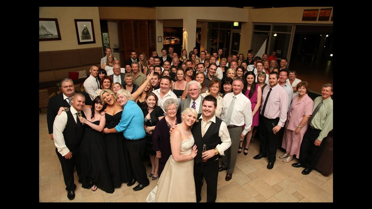 Group Wedding Photography: 6 Tips For Photographing Large Groups