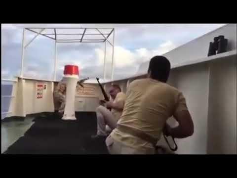 Kompilasi Video Perompak Somalia Melawan Kapal Amerika Dan Rusia