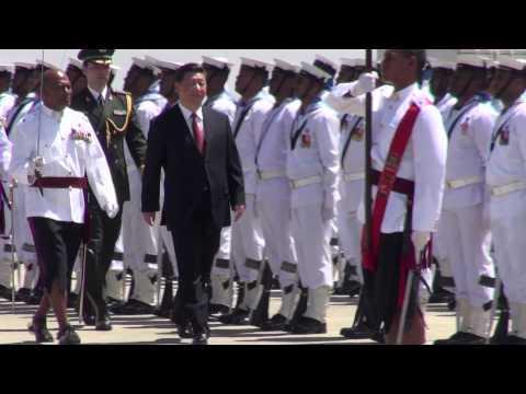 Fijian Prime Minister Voreqe Bainimarama bid farewell to Chinese President H.E. Xi Jinping