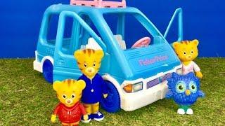DANIEL Tiger Toys Ride FISHER PRICE Van!