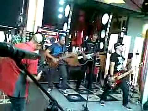 PAS band - Jengah (Akustik) Live at Radio Show TvOne.mp4