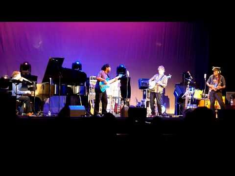 Béla Fleck at the Orpheum Theatre in Wichita, KS 7/24/11 #2