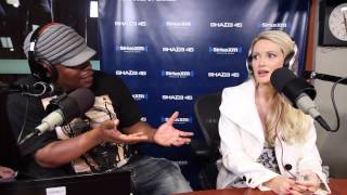 Holly Madison Finally Pulls Back The Curtains of The Playboy Mansion + Speaks on Hugh Hefner