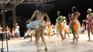 Carnavales, Valledupar Reina del barrio Santa Rosa y su comparsa