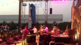 Gambar cover Live in NH7 Pune.... Shankar tucker, tabla amit mishra, mugdha, jake and puneet