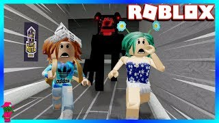 WE FOUND THE CAMPING FAMILY IN THIS HOTEL!!!  (Roblox Hotel)