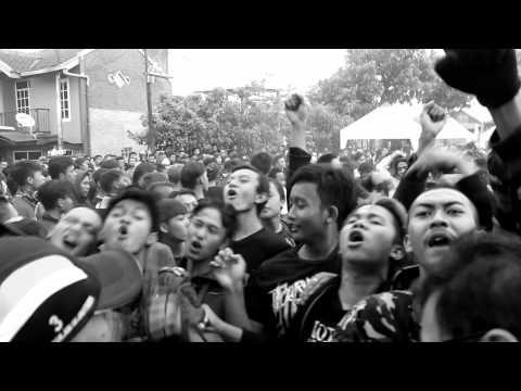 Mawar Berduri - Norma tua (turtles jr cover) live at sarimanah 2014