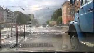 потоп на дорогах после дождя в Барнауле. Вот и ливень