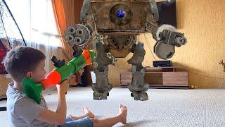 Нерф базука против Огромного робота с Большими пушками