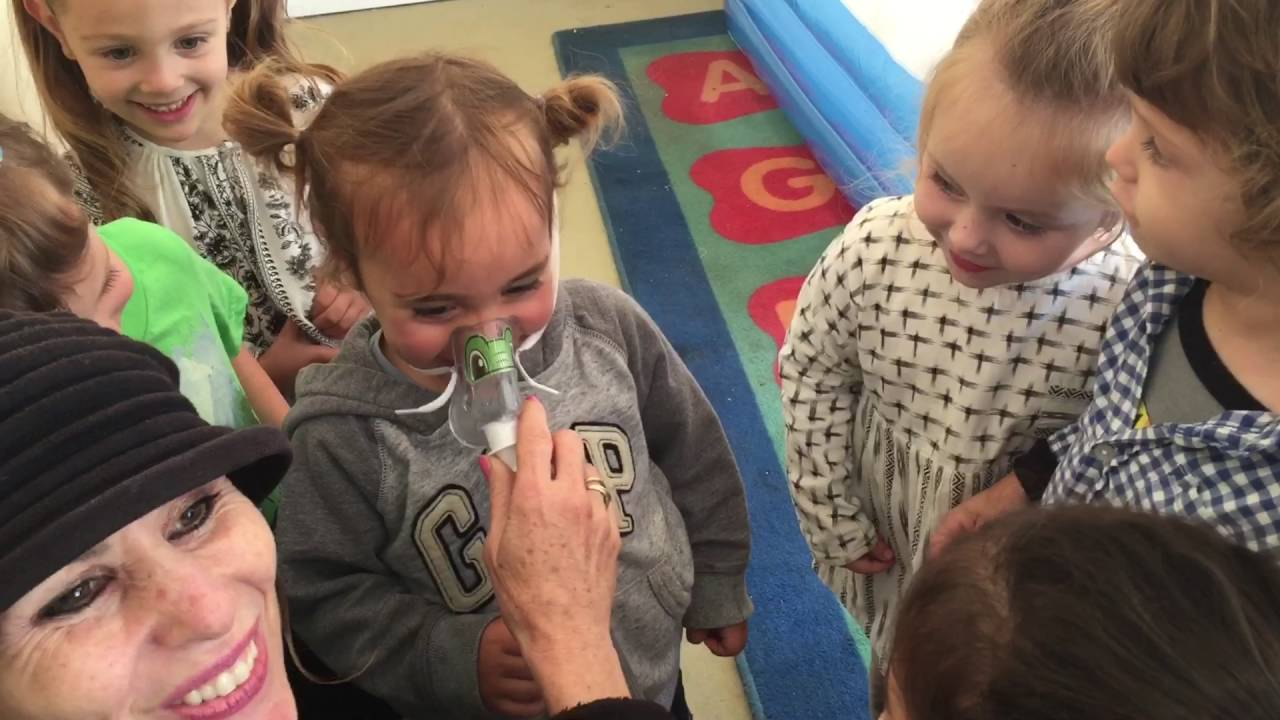 Morah helps a 2 year old overcome his fear of using his nebulizer machine -  YouTube