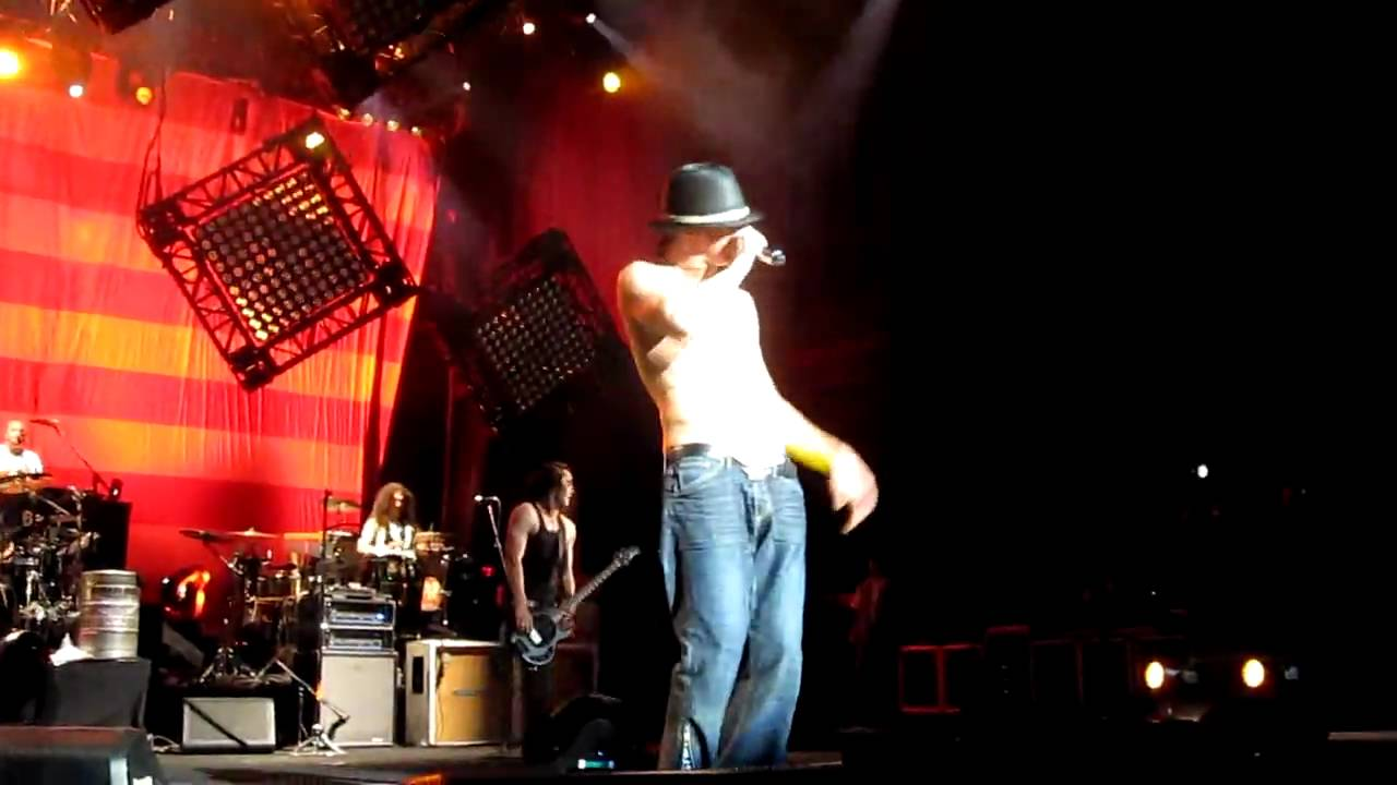 Kid Rock - Bawitdaba - Live a@ Nissan ...
