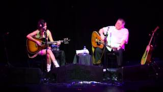 "Kacey Musgraves sings ""Burn One With John Prine"" to John Prine"