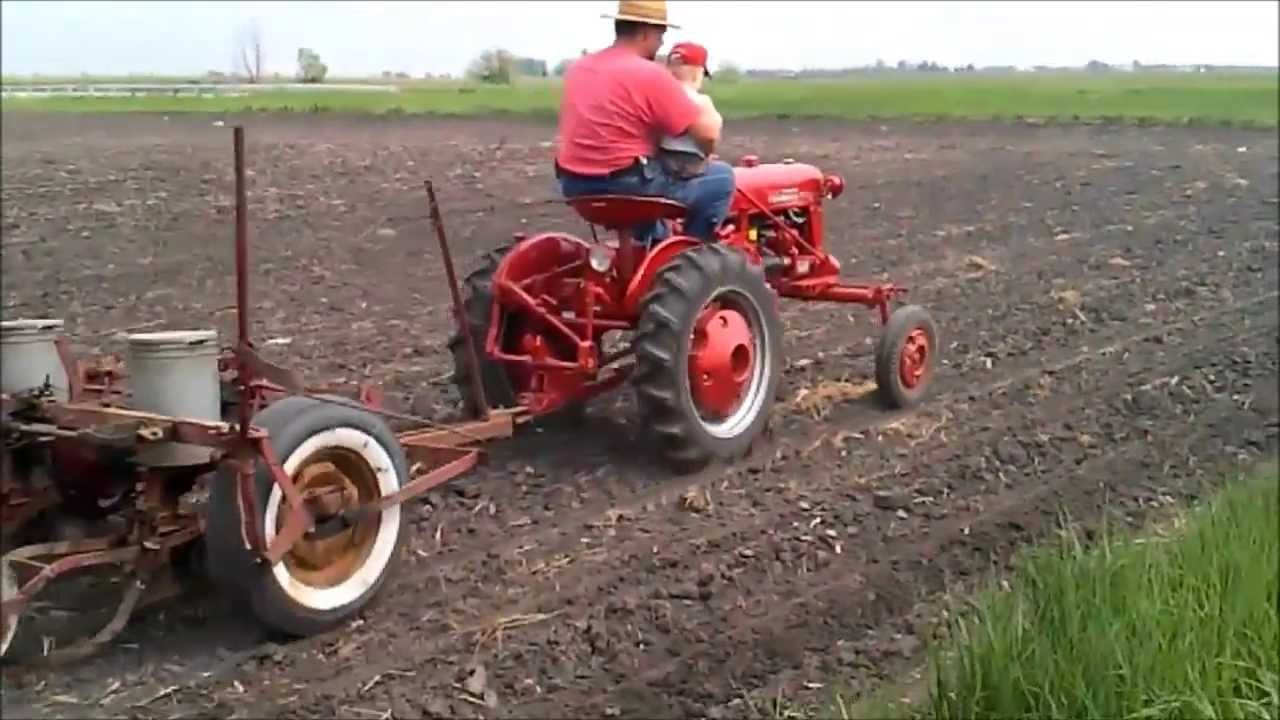 International Farmall Cub Planting With Ih 249 2 Row Planter Youtube