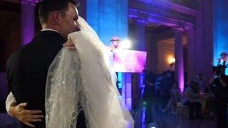 Die Hochzeit wird unterbrochen - dann bricht die Braut in Tränen aus