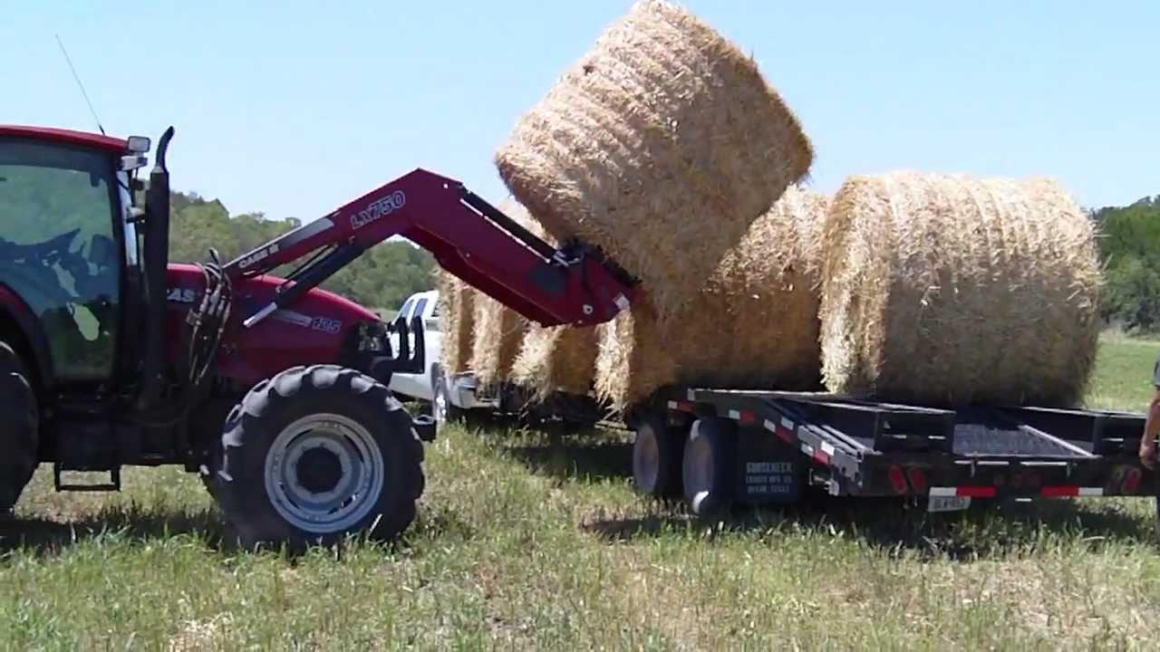 2011 Duramax Hauls Round Hay Bales Youtube