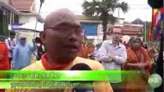 Monks Protest for Bringing Back the Stolen Buddha