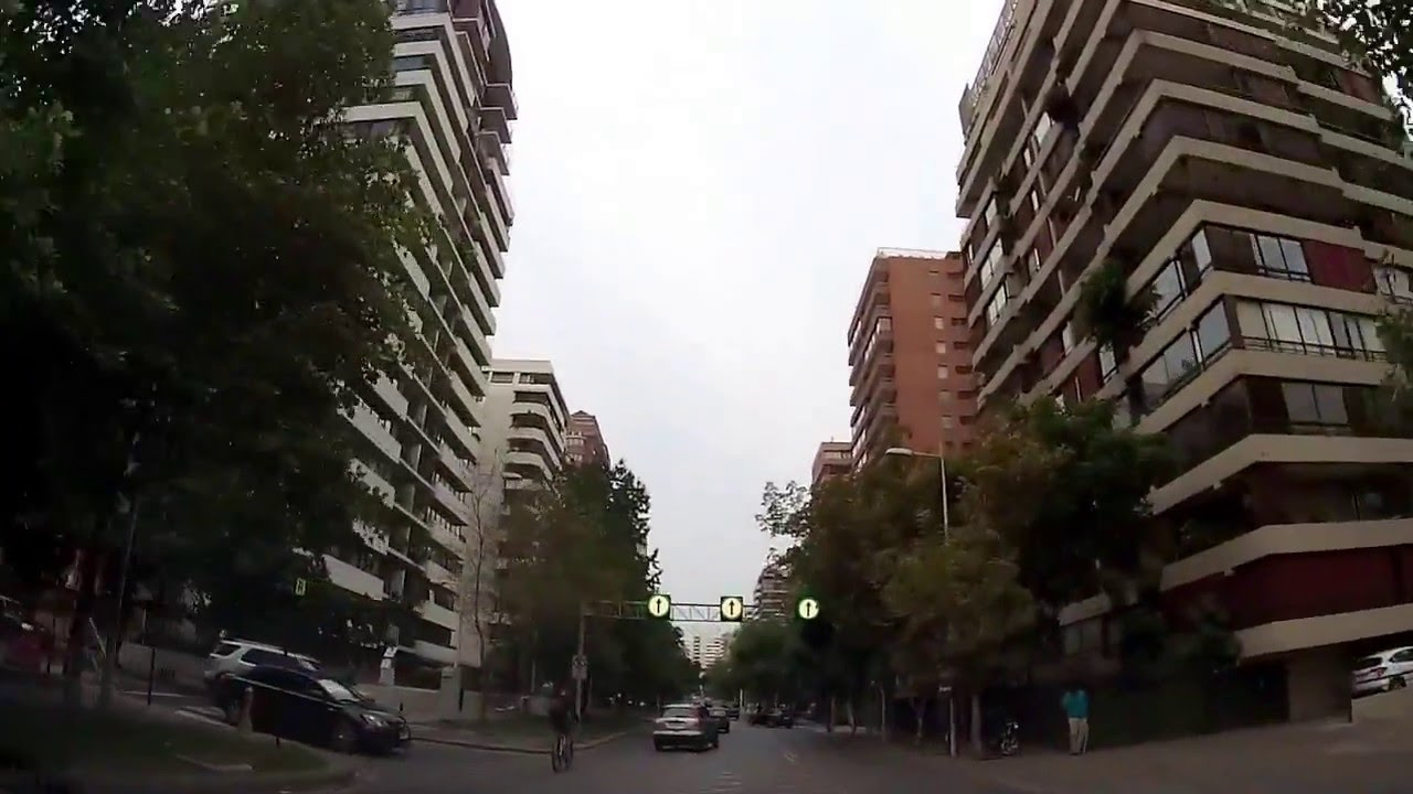 The streets in santiago de chile youtube for Construccion de piscinas santiago chile