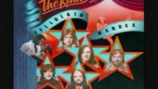 Watch Kinks Everybodys A Star video