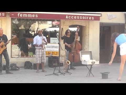 Petit plaisir musical du dimanche matin à Nyons