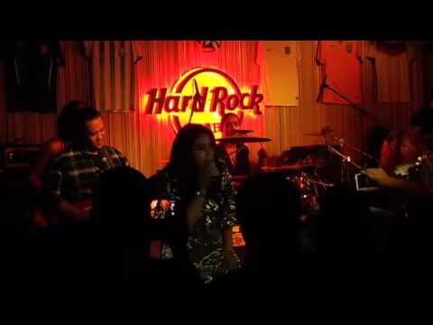 Ella - Sepi Sekuntum Mawar Merah (Live at Hard Rock Cafe)