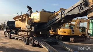 (株)上杉建機 BZ210積み込み シフレットホーン バックメロディ♪ ラジオ◯◯ 西◯秀樹Heavy equipment delivery vehicle thumbnail
