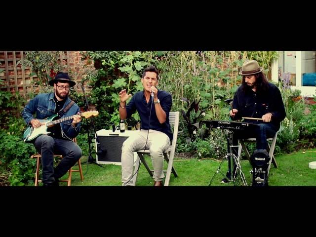 Idreiss Trio Garden Jam    Live Lounge