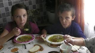 Готовлю кушать  Дети обедают  В Магните