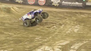 VP Racing Fuels Mad Scientist   Lee O'Donnell Front Flip   Monster Jam World Finals XVIII