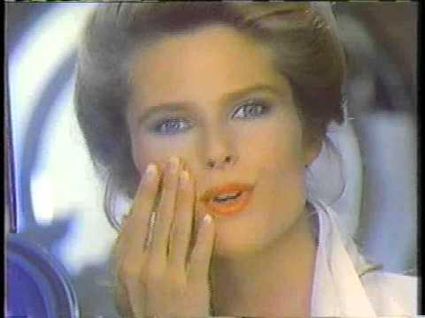 Christie Brinkley Commercial >> Christie Brinkley 1983 Noxzema Cover Girl Makeup ...