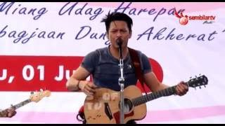 Video NOAH - Menunggumu (Live Di SMKN 1 Garut) download MP3, 3GP, MP4, WEBM, AVI, FLV September 2018