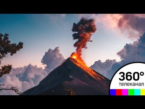 При извержении вулкана Фуэго пострадали около 300 человек - СМИ2