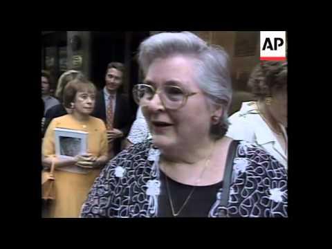 USA: NEW YORK: AUCTION OF PRINCESS DIANA'S DRESSES: ARRIVALS