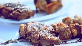 Телятина, баранина и курица на мангале с черничным соусом - рецепт Уриэля Штерна