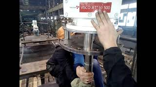 Монтаж промышленной мешалки VJ500 на емкость