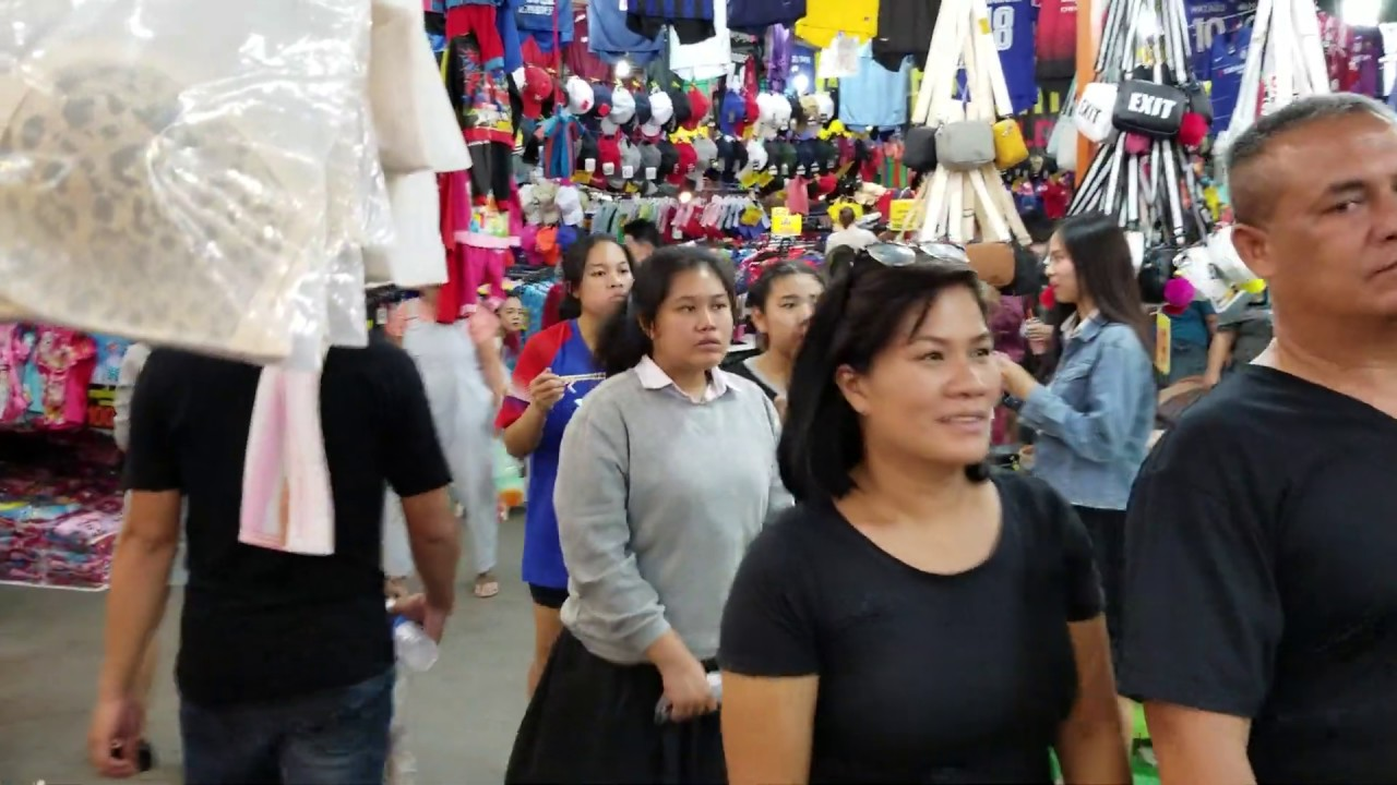 Udon Thani, Thailand, Street Festival, Shopping for Ladies