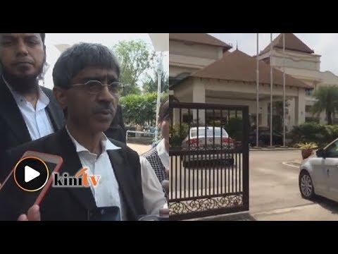 Isu Bugis: 45 minit polis soal Mahathir, kata peguam