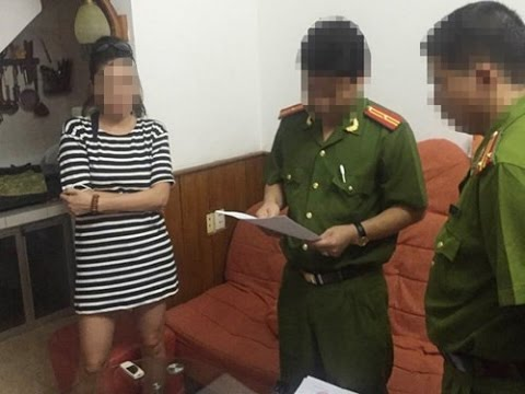 Học trò Huế chế giễu kỳ thi THPT quốc gia bị công an sờ gáy