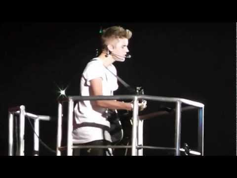 Justin Bieber-Believe Tour- Be Alright - Fall - Favorite Girl - Tacoma 2012