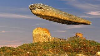 एक अनसुलझा रहस्य :- हवा में उडनेवाला पत्थर , देखकर हर कोई हैरान है || Miracles Caught on Camera