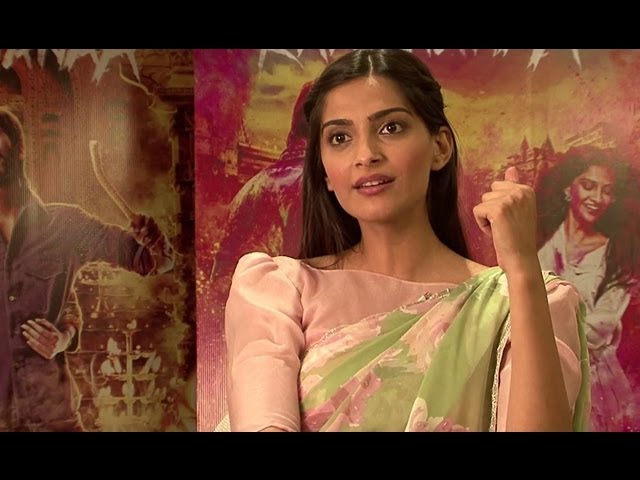 Making Of Tum Tak - Raanjhanaa Travel Video