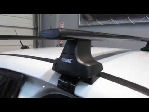 2012 Ford Focus 5 Door Hatch with Thule 480R AeroBlade Base Roof Rack by Rack Outfitters