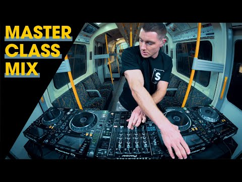 4 DECKS IN THE MIX - DJing On The London Underground