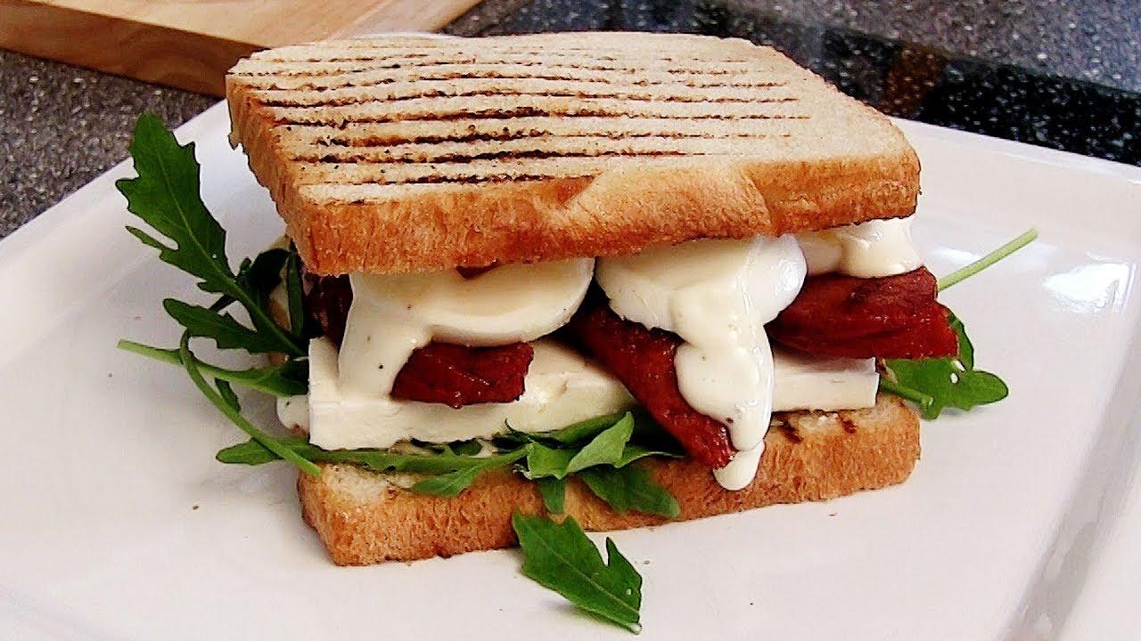 rezept sucuk sandwich mit schafsk se ei limetten mayo schnell und einfach selber machen. Black Bedroom Furniture Sets. Home Design Ideas