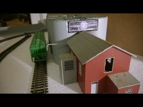 Model Train Layout – Project low cost/low weight Part 3: Track plan & Buildings, DC H0 Scale