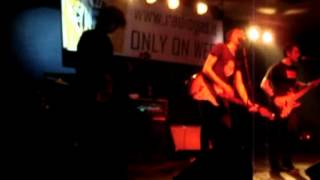 The Fades - Kalashknikov live in Italy Siddharta Club